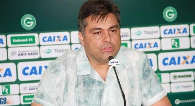 Presidente do Goiás disse que aguarda resposta da CBF para adiar jogo