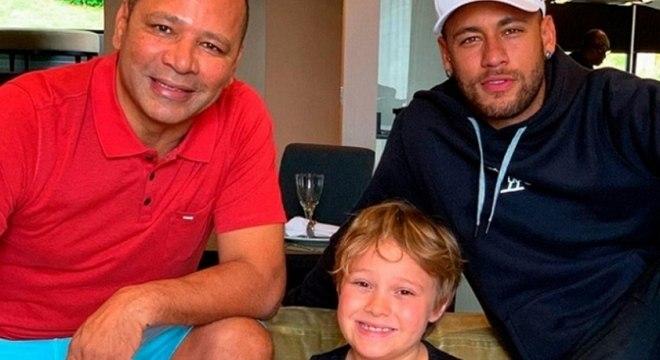 Neymar homenageou o pai e o filho nas redes neste domingo (9)