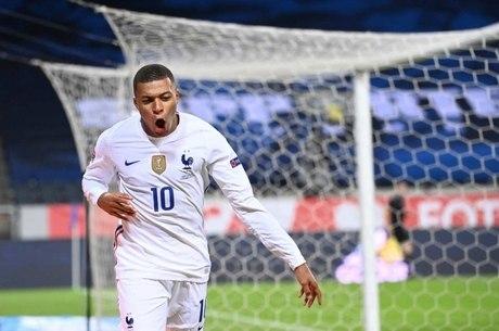 Mbappé sondou companheiros de seleção francesa