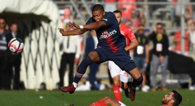 Mbappé preferiu não comentar sobre o fato do PSG ter sido acusado de racismo