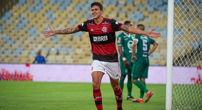 É para comemorar: Pedro tem tudo encaminhado para seguir no Flamengo