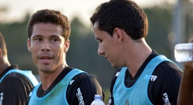 Hernanes e Pablo durante treino nos EUA  os dois serão titulares nesta  quarta 0041284f99467