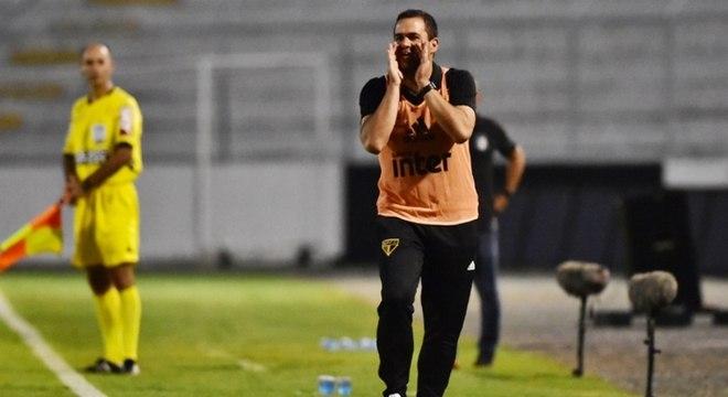 Técnico afirma que o time precisa ser agressivo se quiser avançar no torneio