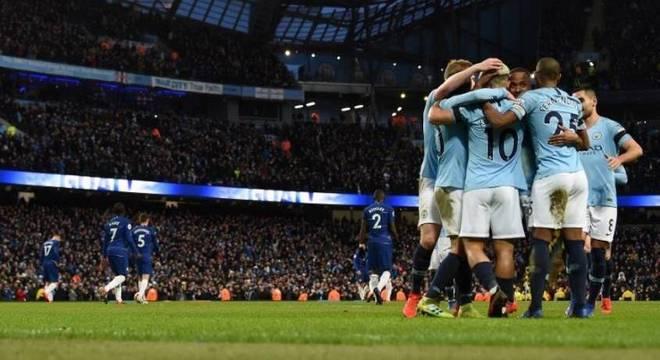 Manchester City comemora goleada histórica