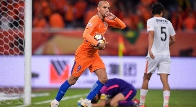 Diego Tardelli está na China desde 2015, quando deixou o Atlético-MG