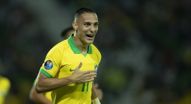 Antony comemora gol marcado durante o Pré-Olímpico, na Colômbia