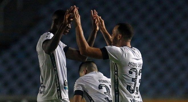 Botafogo derrota o Moto Club e avança na Copa do Brasil