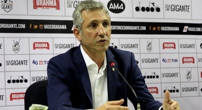 Presidente Campello estava pressionado pela questão dos salários atrasados