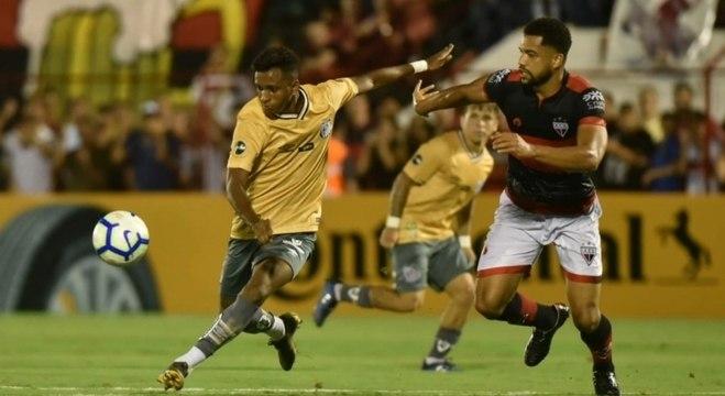 Santos tem de vencer para se manter vivo na competição
