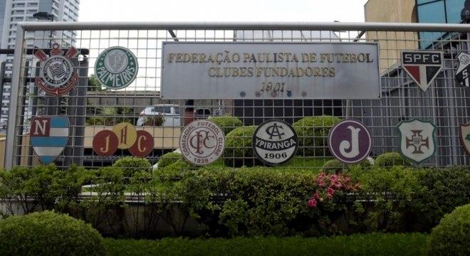 Federação e clubes fizeram reunião por vídeoconferência nesta quarta-feira