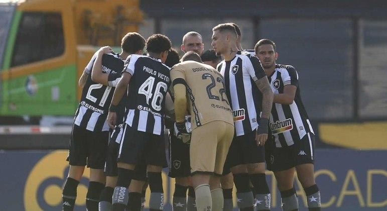 E o camisa 10? Botafogo tem nomes oferecidos, mas age com cautela por possível nome da posição
