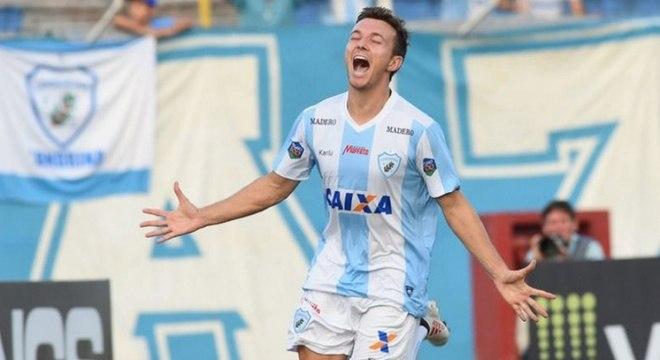 Dagoberto estava jogando no Londrina