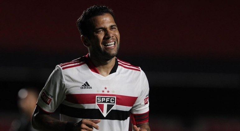 Relembre os números de Daniel Alves na passagem pelo São Paulo