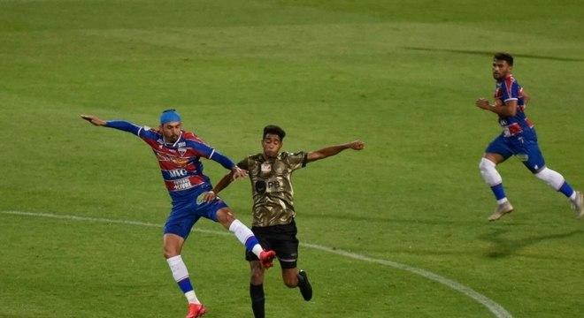 Coritiba e Fortaleza fizeram um jogo com pouquíssimas emoções