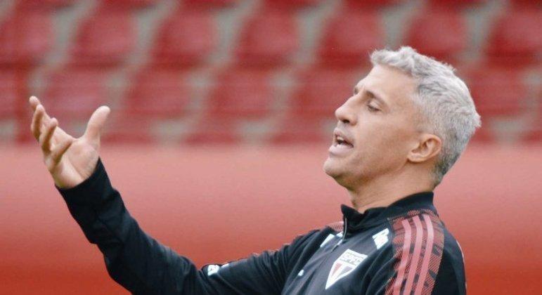 Crespo está cada vez mais pressionado como técnico do São Paulo