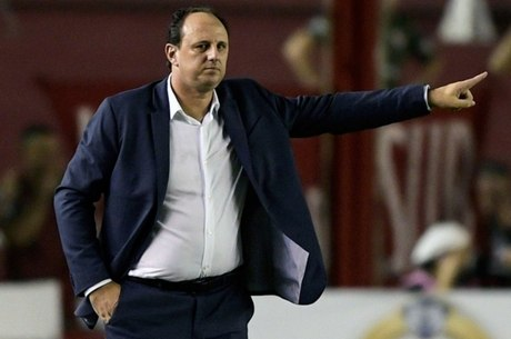 Ceni terá de ajustar defesa do Flamengo