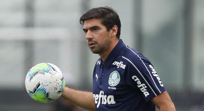 Abel Ferreira terá problemas para armar a defesa do Palmeiras contra o Ceará