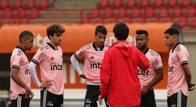 Diniz têm trabalhado para dar confiança aos jovens do elenco tricolor