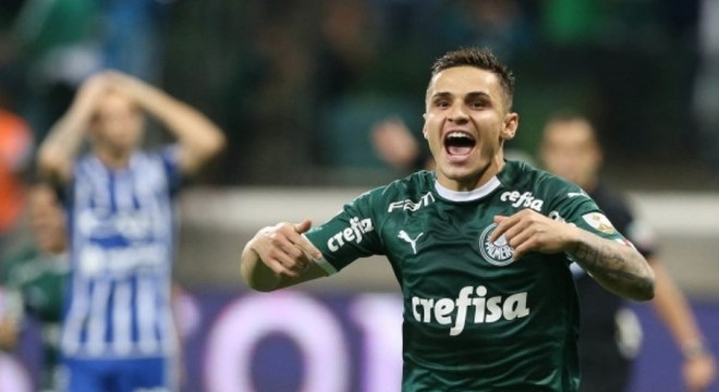 Raphael Veiga brilhou durante vitória do Palmeiras sobre rival argentino