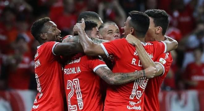Boschilia e Marcos Guilherme foram decisivos para vitória do Internacional