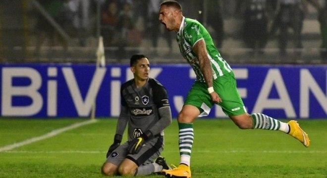 Botafogo tomou gol no final do jogo e foi eliminado