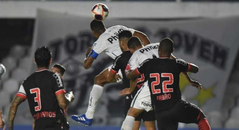 Luiz Felipe marcou de cabeça, mas gol foi anulado pelo VAR