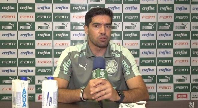 Abel Ferreira ficou na bronca com o árbitro. Ele foi expulso no 1º tempo
