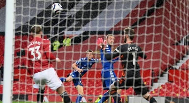 De Gea não conseguiu defender o chute de Luke Thomas na derrota do United