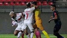 Flamengo sofre com erros, mas reage e empata com o La Calera