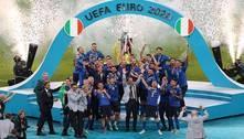 Bonucci brinca com música cantada pelos ingleses: 'It's coming to Rome'