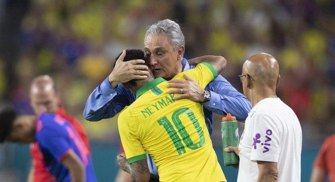 Tite optou por colocar Neymar em campo só no segundo tempo