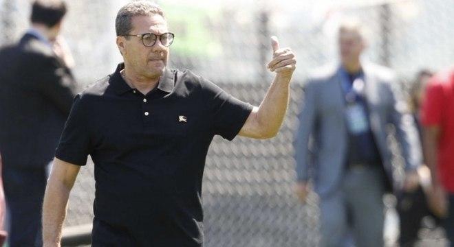Vasco quer repetir 2018 e vencer a Chapecoense para subir na tabela