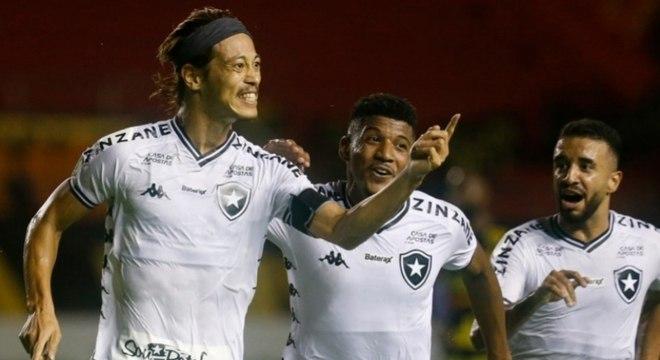 Honda comemora gol do Botafogo contra o Sport