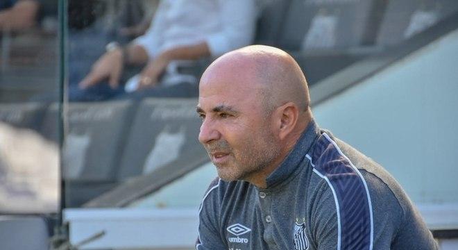 Jorge Sampaoli deixou oficialmente o Santos nesta terça-feira