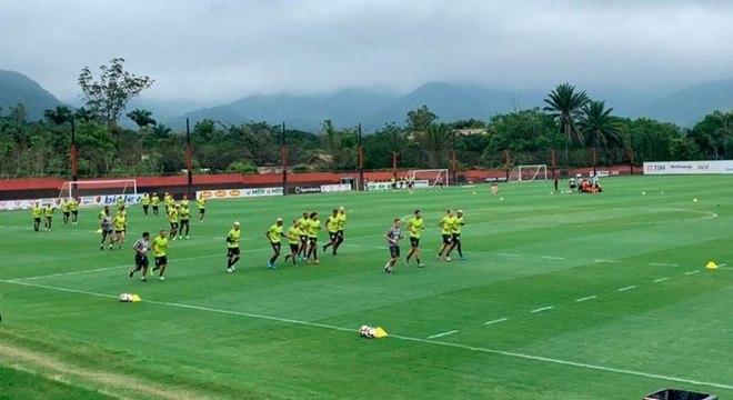 Nesta manhã, o Flamengo treinou no Ninho depois de folgar segunda e terça-feira