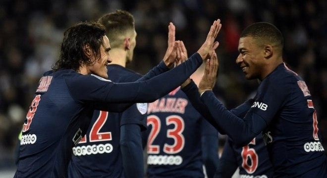 Cavani e Mbappé foram os destaques da partida