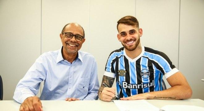 Felipe Vizeu assinou por uma temporada com o Grêmio