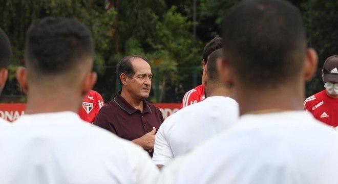 Muricy bateu um papo com os atletas do São Paulo nesta terça-feira