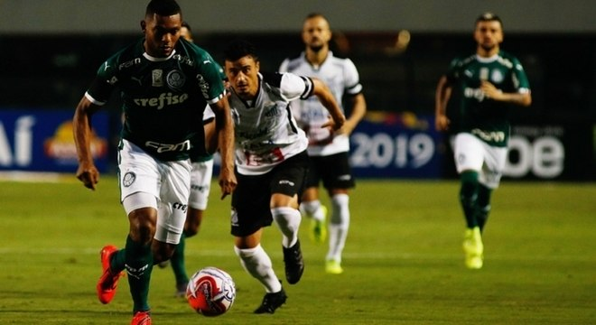 Colombiano segue com futuro indefinido no Palmeiras
