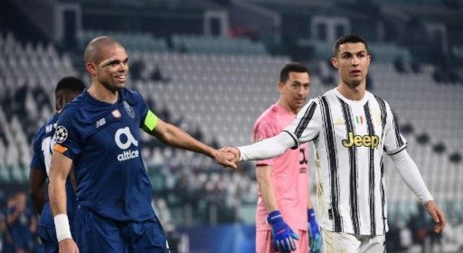 Cristiano Ronaldo dificilmente permanece na Itália após o fim da temporada