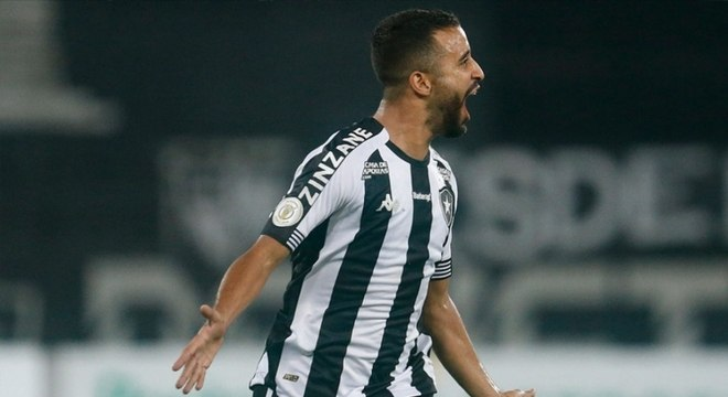 Botafogo fez anúncio da saída de Caio Alexandre nesta sexta. Jogador era um dos destaques do time
