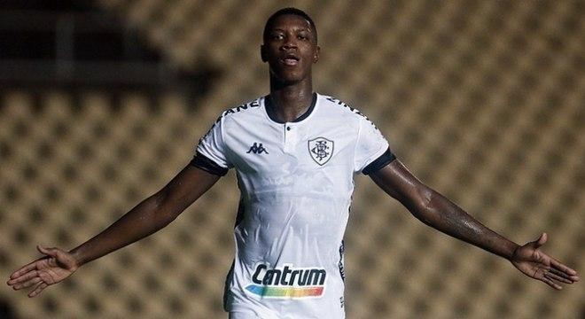 Matheus Babi faz um excelente início de temporada no Botafogo