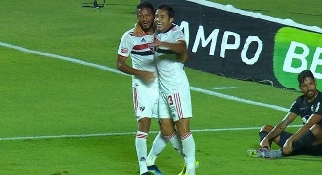 Reinaldo e Eder estavam no lance do gol que deu a vitória ao São Paulo no Morumbi