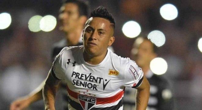 Cueva marcou gol e deu três assistências em goleada sobre o Corinthians