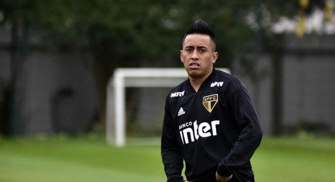 Cueva já tinha futuro incerto no São Paulo antes da Copa