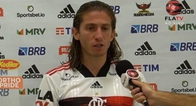 Filipe Luís concedeu entrevista coletiva após a derrota para o Atlético-GO