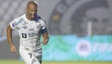 Com 10, Santos marca no fim e bate o Libertad pela Sul-Americana