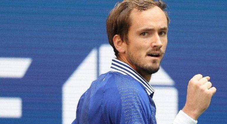 Russo surpreendeu e estragou a festa do número 1 do ranking mundial