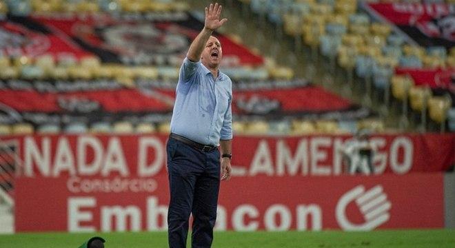 Rogério Ceni perdeu em sua estreia como técnico do Flamengo