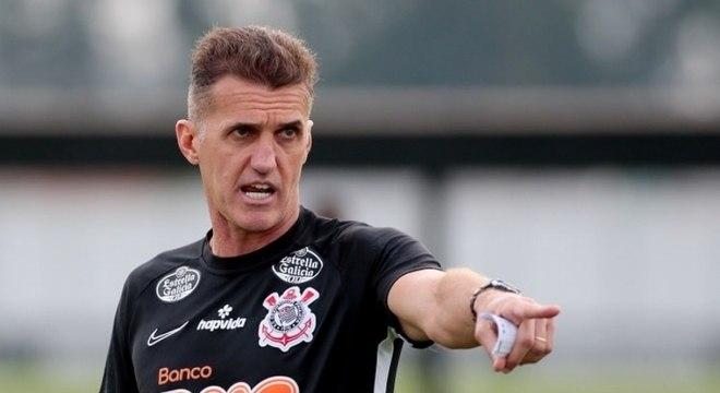 Vagner Mancini completa um mês no comando do Corinthians
